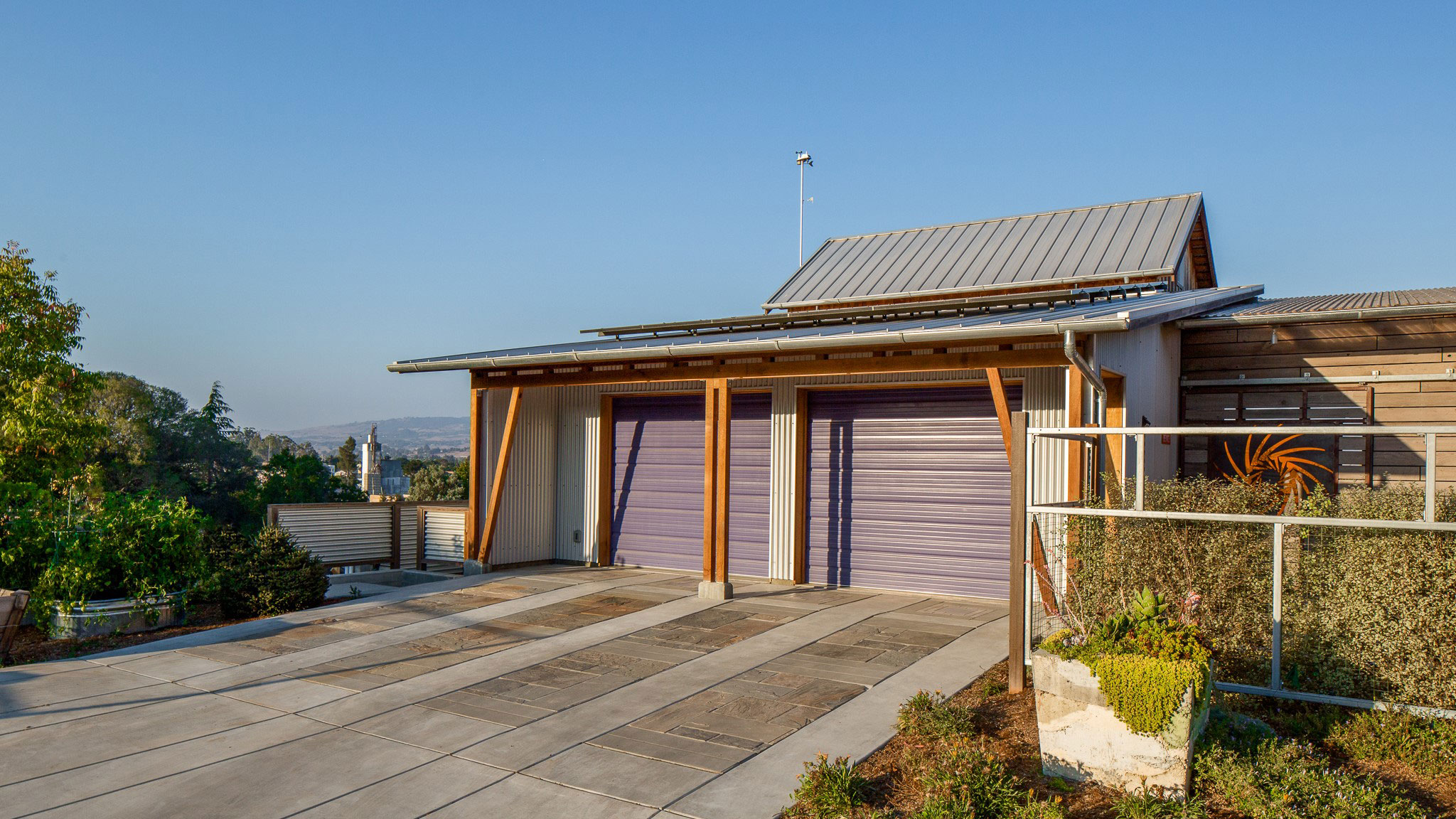 Custom-Home-Sonoma-County-MiJi-Garage-with-earthtone-paving-stones