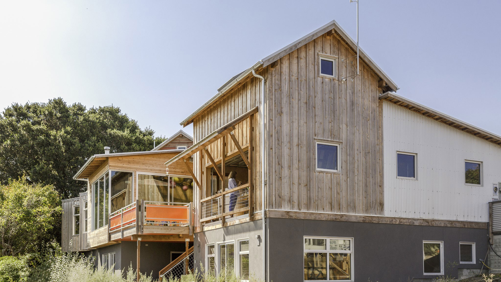 Custom-Home-Sonoma-County-MiJi-New-house-with-simple-agrarian-forms-and-materials