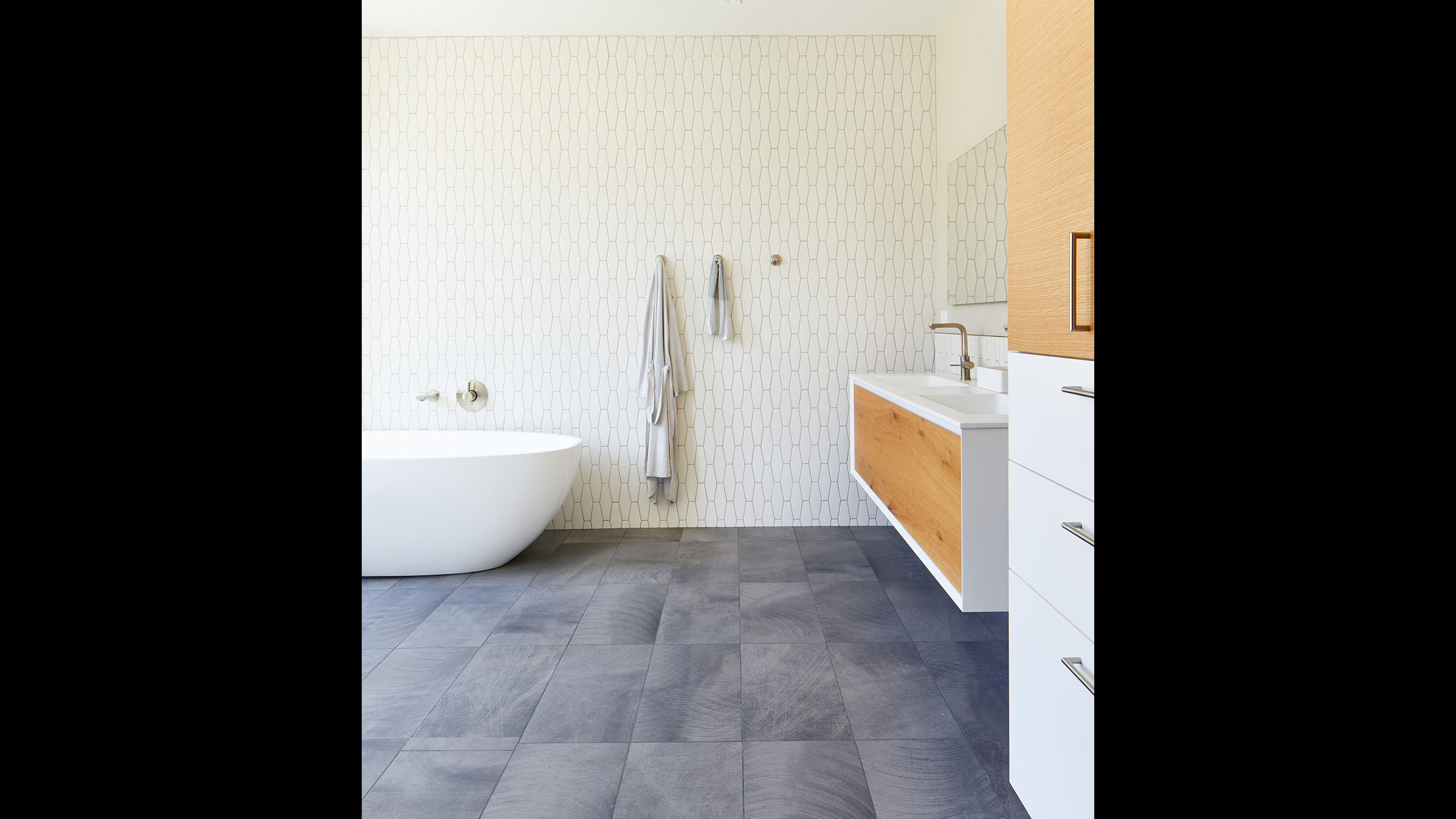 Farmhouse-Interior-Design-Sonoma-County-7-contemporary-bathroom-with-tub-grey-and-white-tile