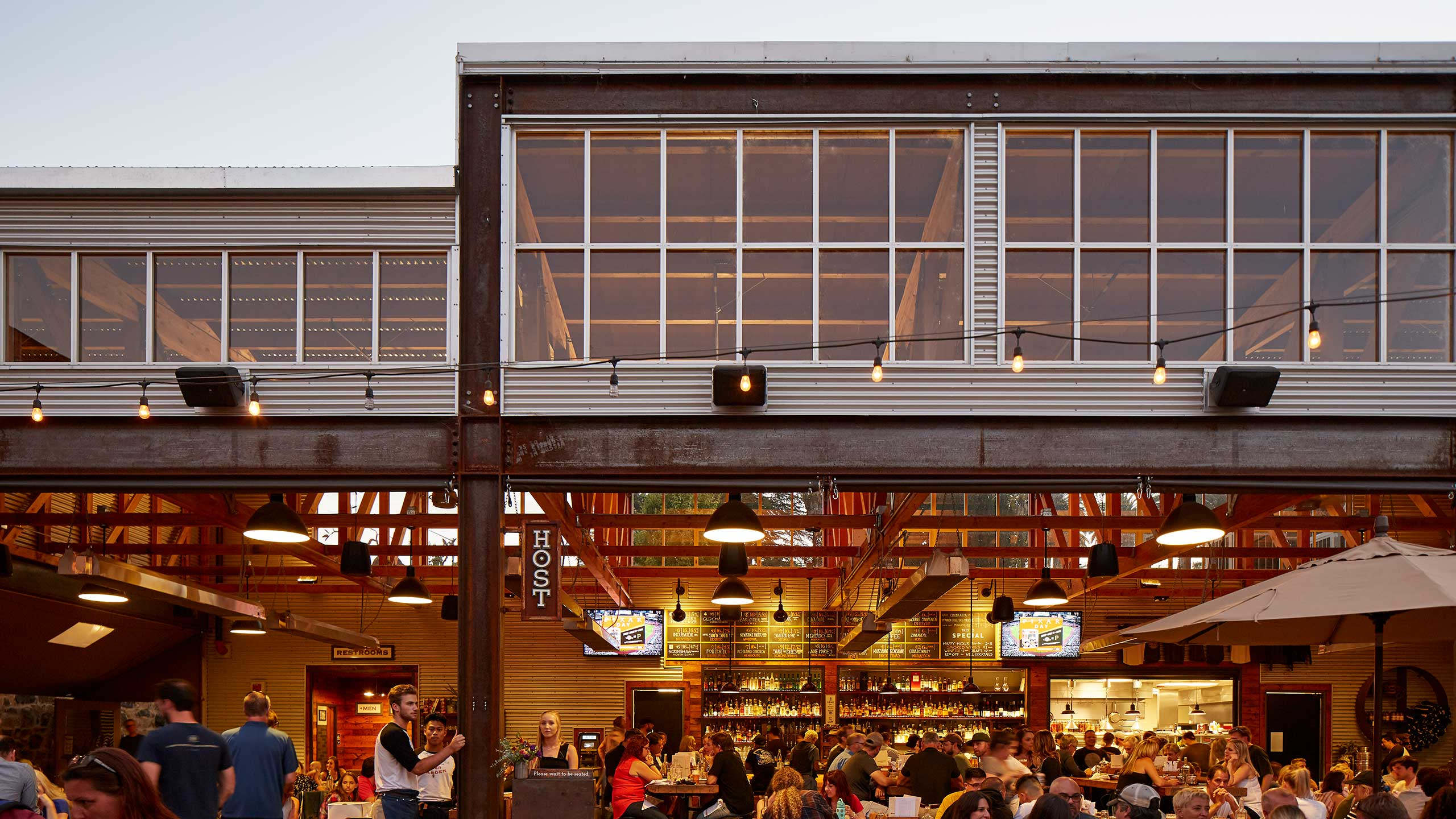 Petaluma-Restaurant-Design-Brewsters-open-air-style-Main-Restaurant-Building