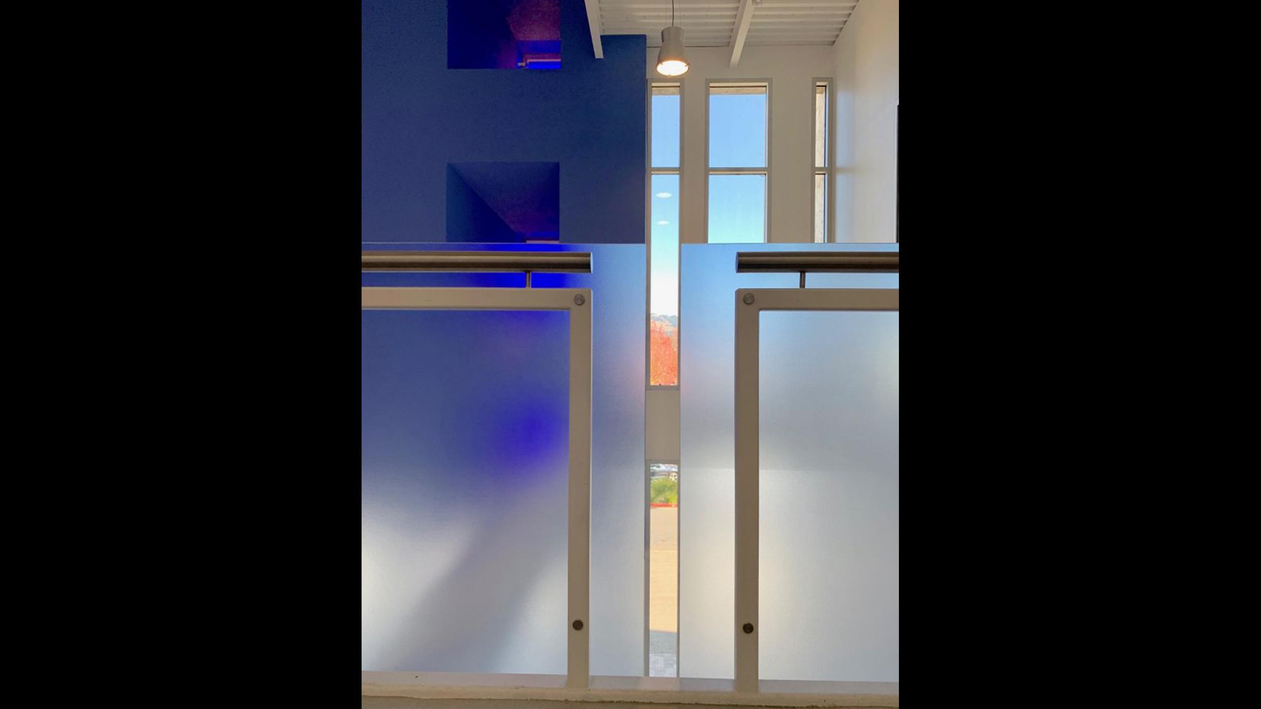SOMO-Blue-Room-Commercial-Design-Rohnert-Park-4-blue-wall