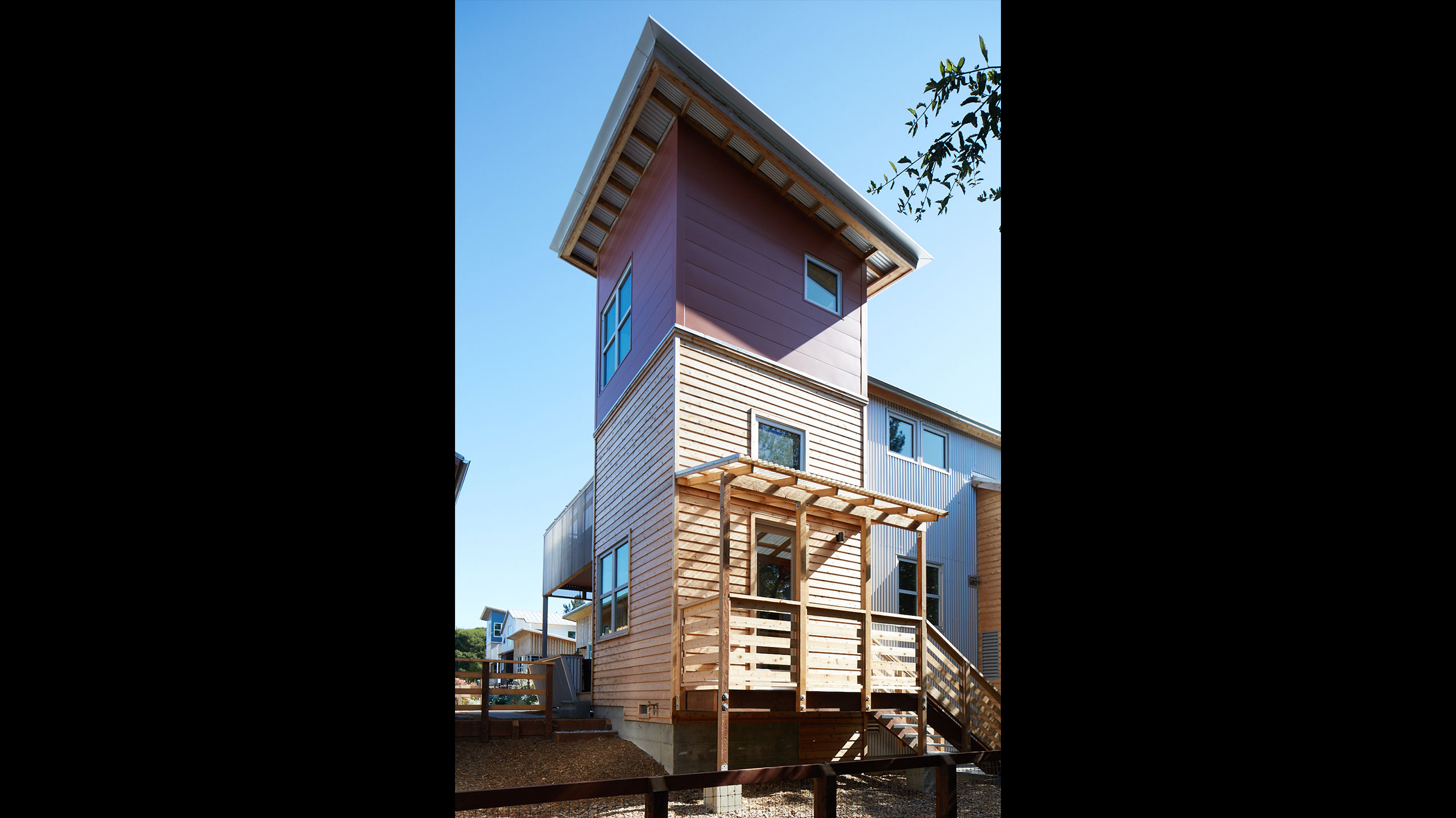 Sustainable-Architecture-Sonoma-County-Keller-Court-backside-of-houses