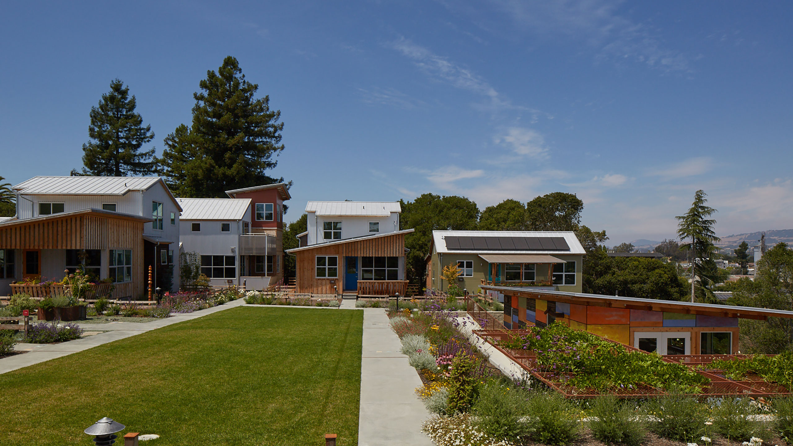 Sustainable-Architecture-Sonoma-County-Keller-Court-houses-around-courtyard-outdoor-design