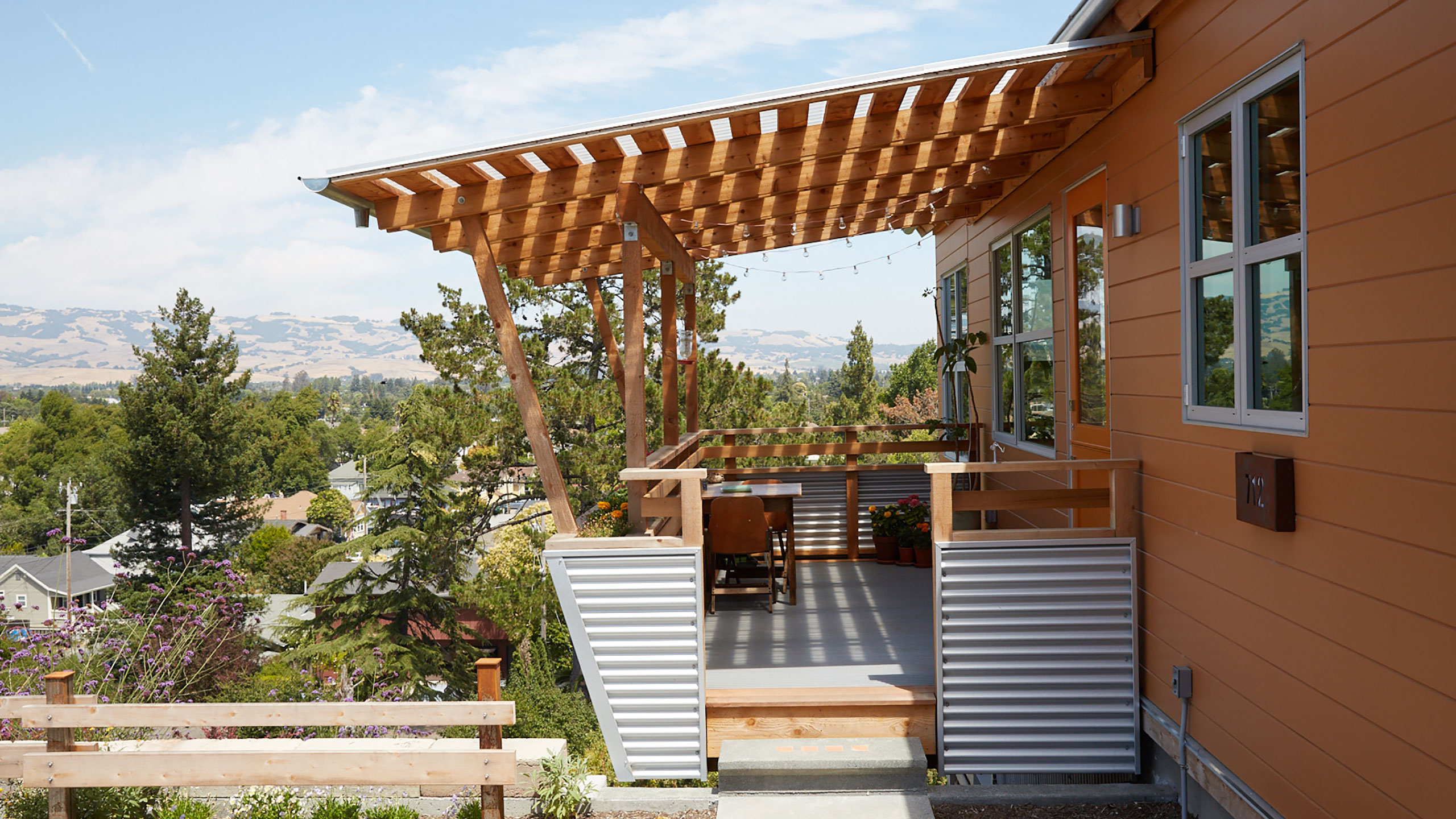 Sustainable-Architecture-Sonoma-County-Keller-Court-wood-balcony