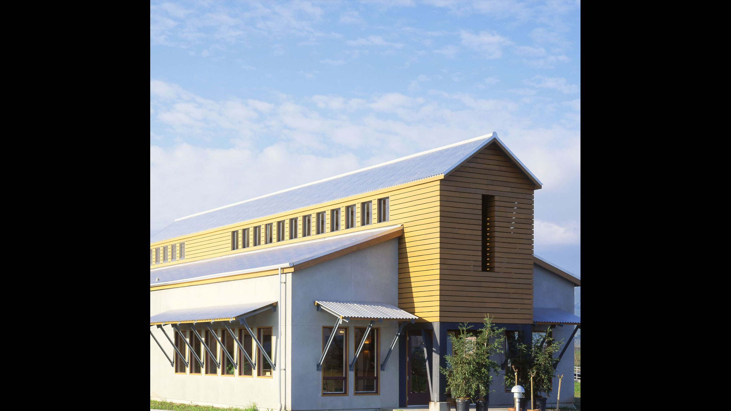 Winery-Architecture-Geyserville-Clos-du-Bois-barn-style-building