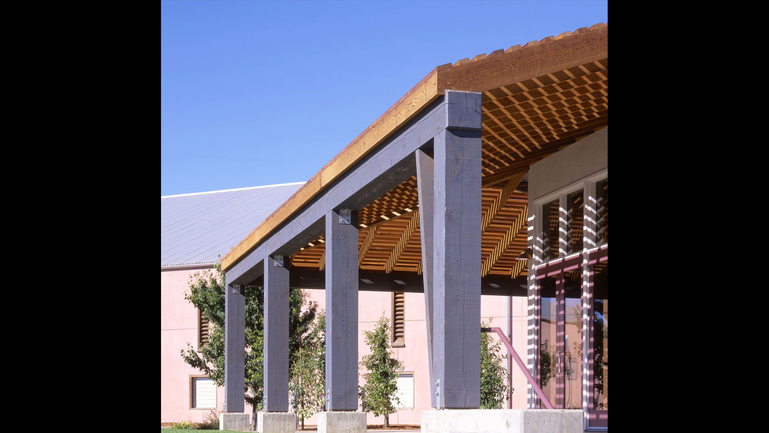 Winery-Architecture-Geyserville-Clos-du-Bois-roof-extension