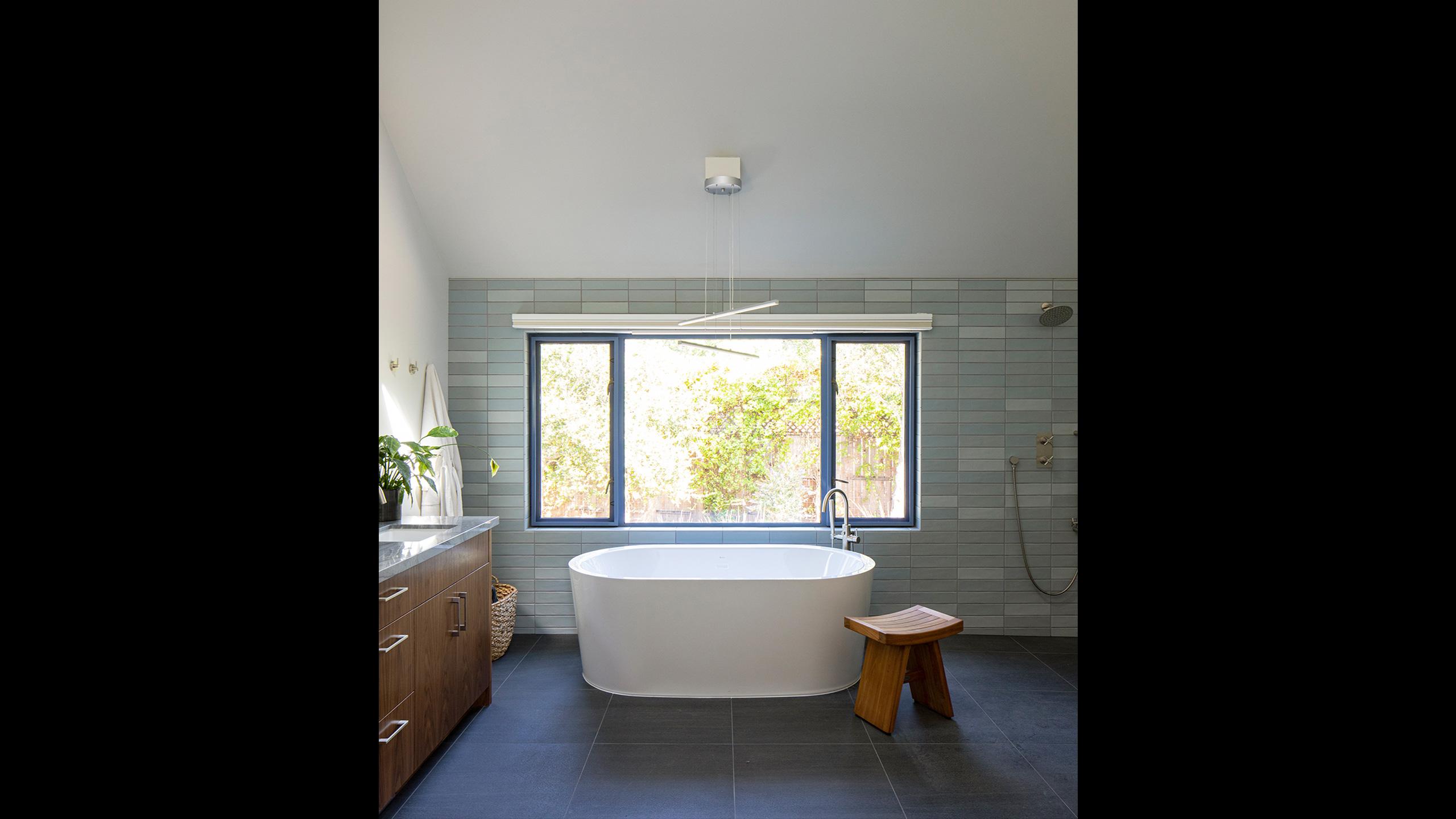 Napa-Farmhouse-bathroom-with-freestanding-tub