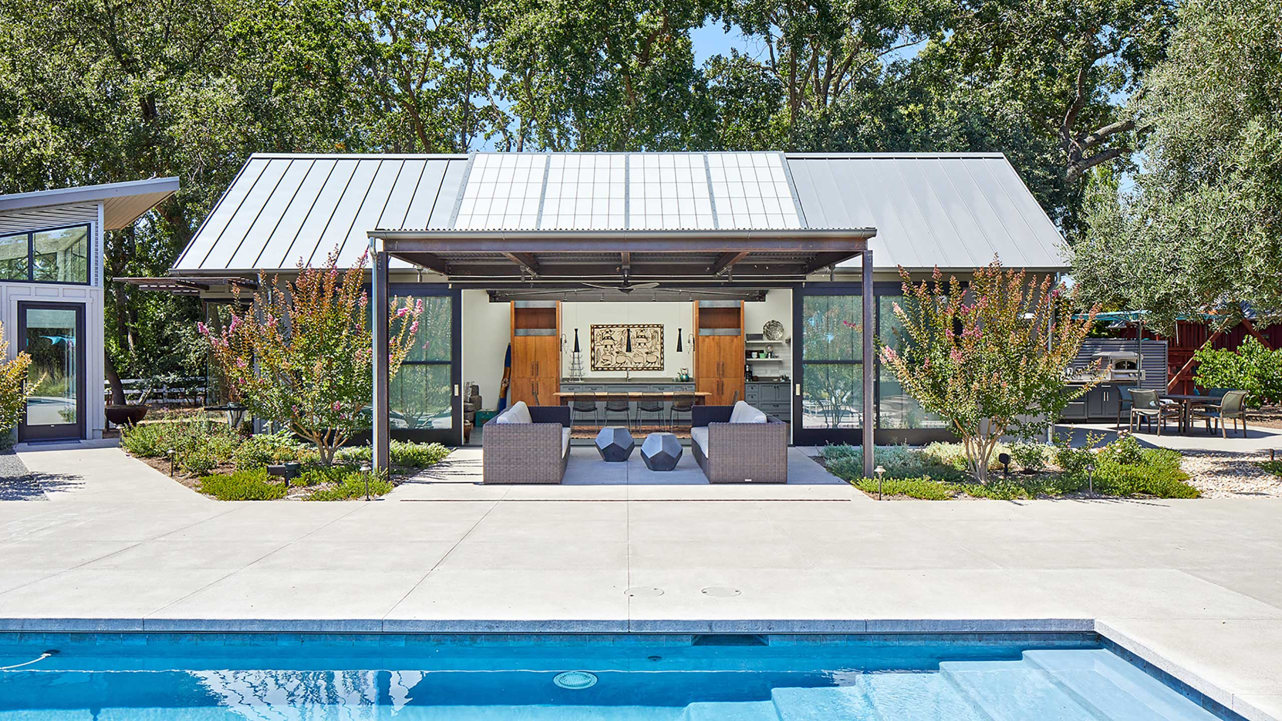 Napa-Farmhouse-modern-party-barn-pool
