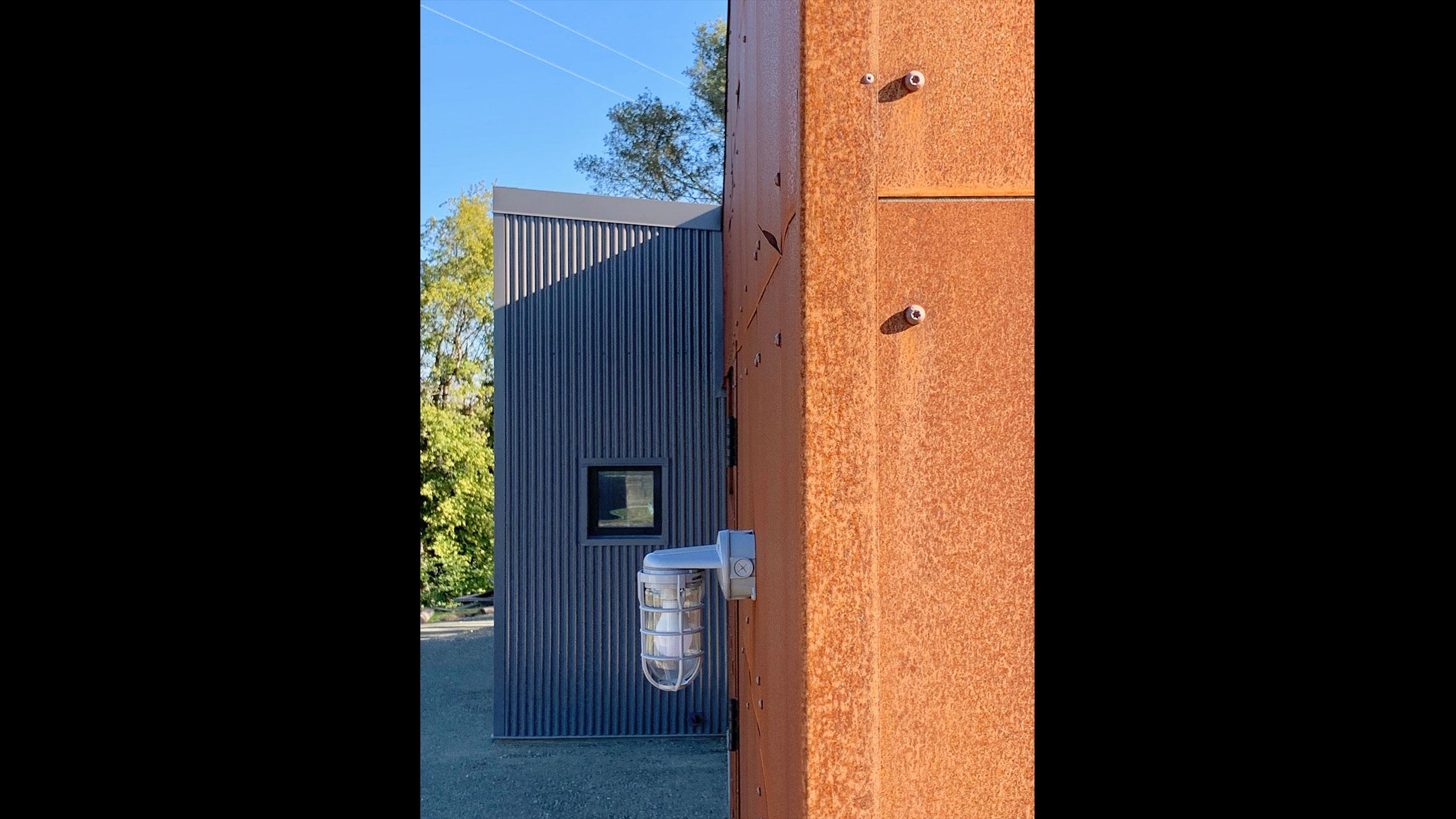 Glen-Ellen-metal-prefab-corten-steel-and-corrugated-metal-close-up